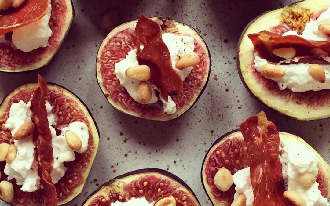 Figues rôties au chèvre & jambon cru