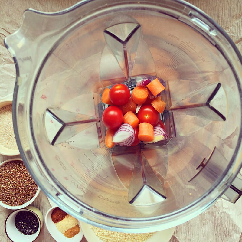 Omelette soufflée olives, pistaches & ricotta