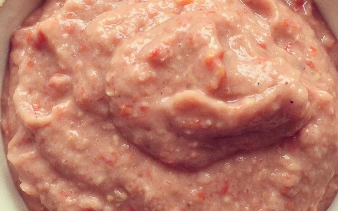 Houmous de haricots aux tomates cerise