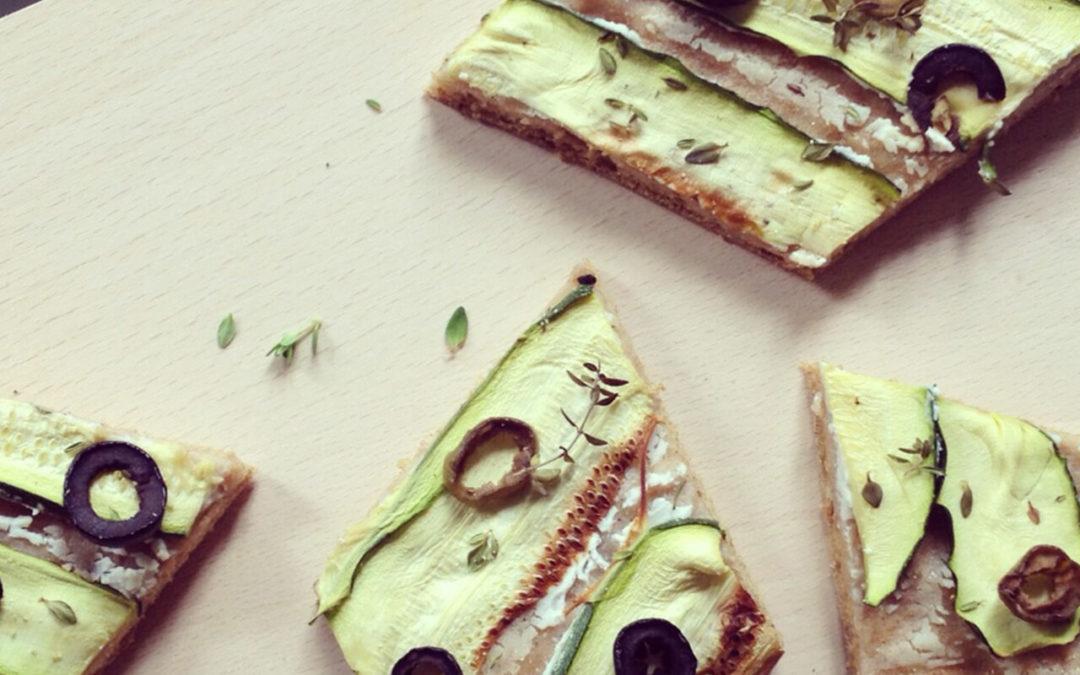 Losanges aux courgettes, olives & fromage frais
