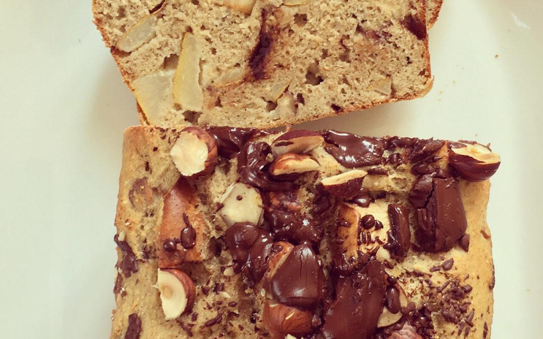 Cake aux poires, noisettes & pépites de chocolat
