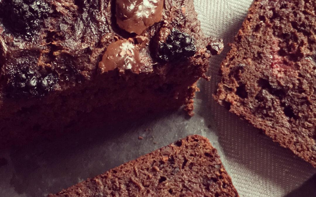Cake double chocolat aux mûres