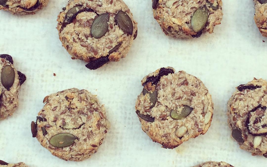 Cookies banane, coco & graines aux cerises séchées