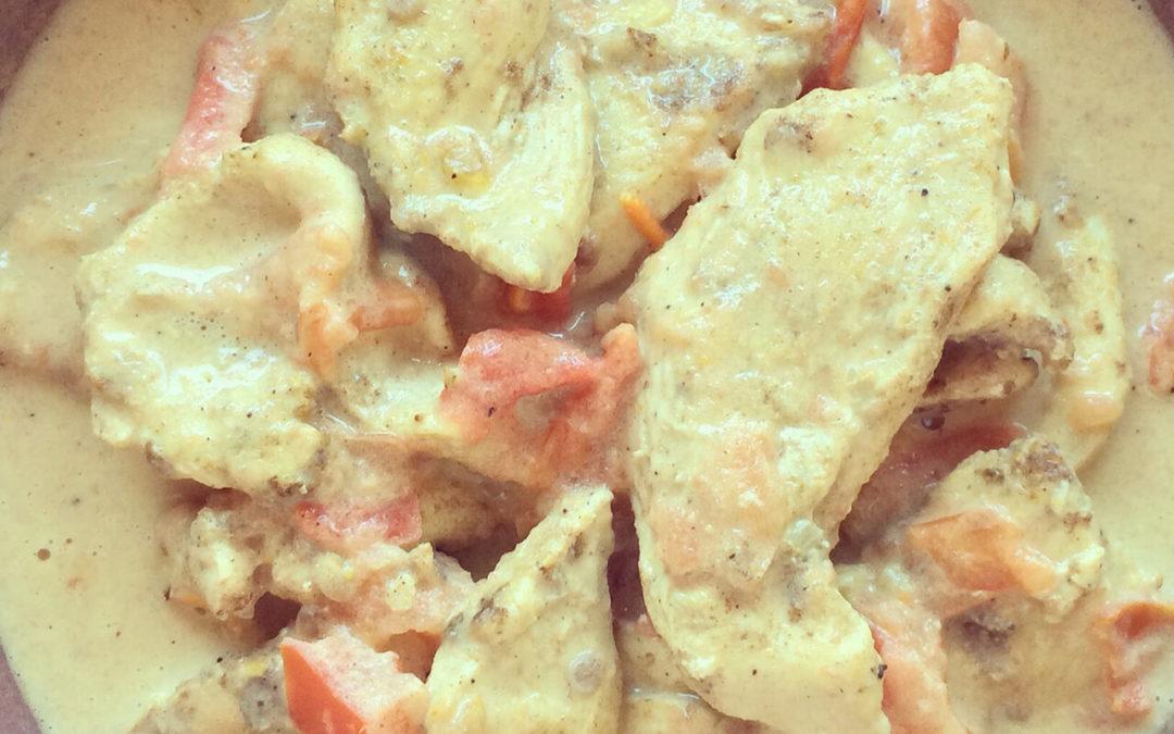 Emincé de poulet & tomates au lait de coco