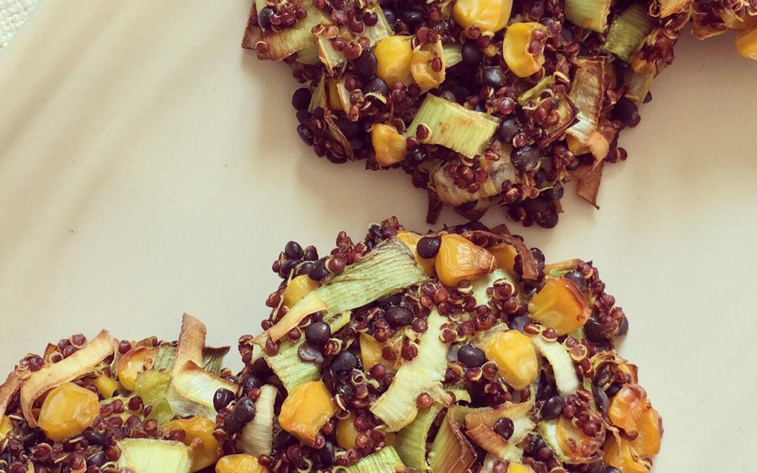 Galettes de quinoa & lentilles aux maïs & poireaux