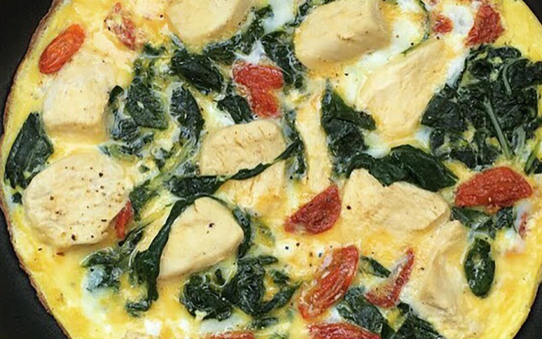 Omelette aux blettes, poulet & tomates séchées