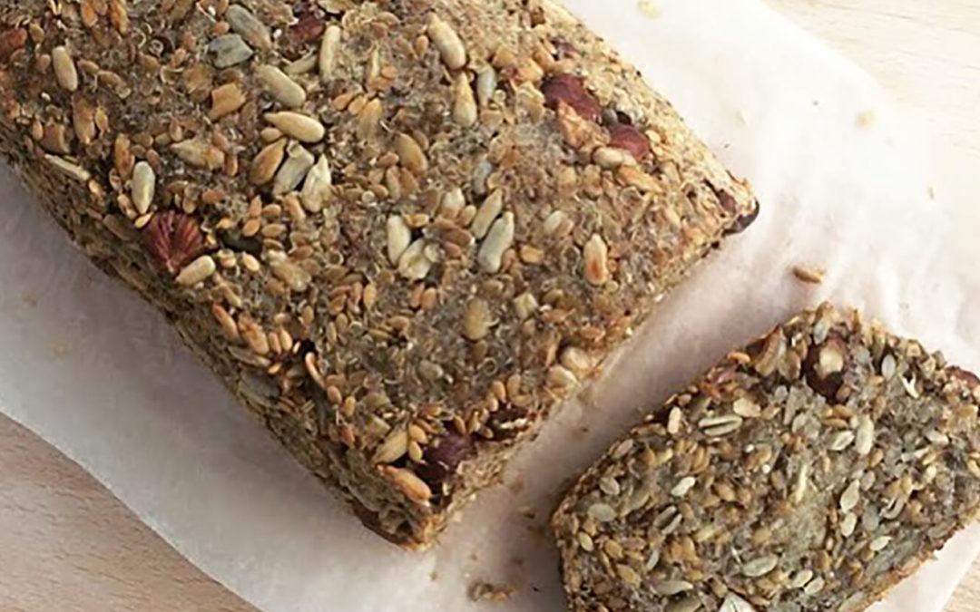 Pain de graines & flocons de quinoa aux noisettes