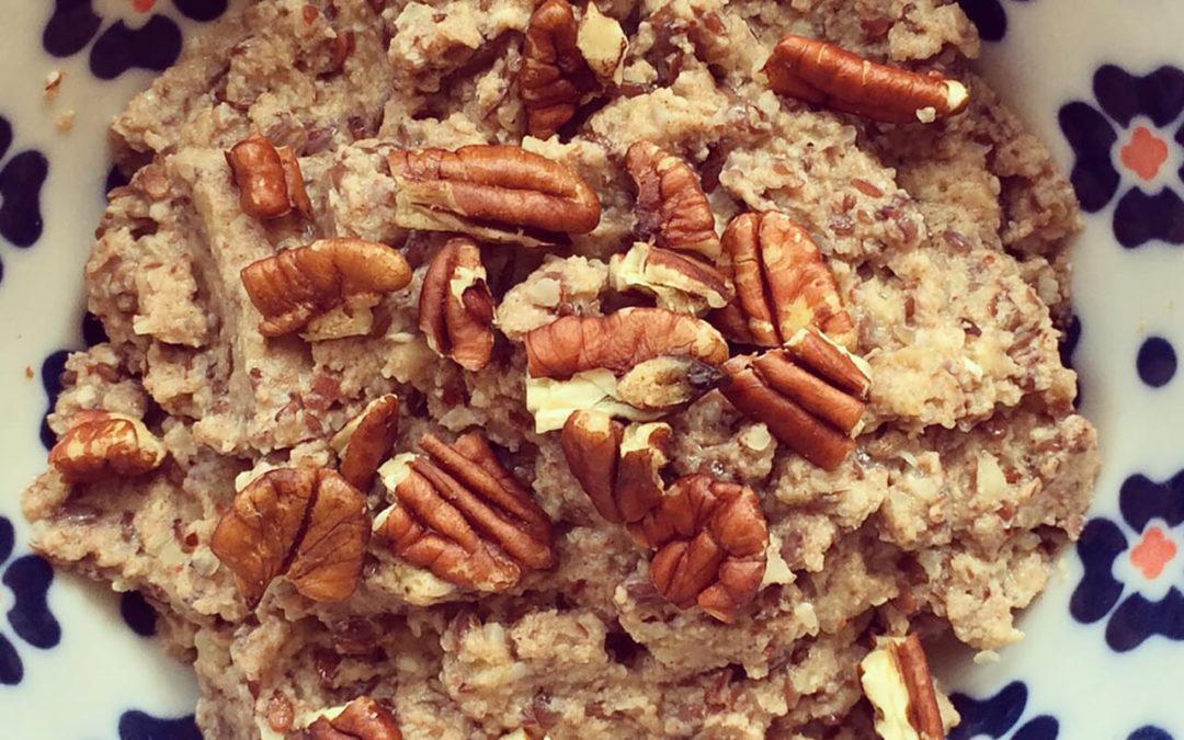 Porridge lin & banane aux noix de pécan