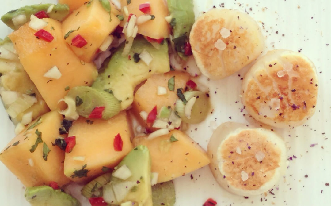 Salade melon & avocat avec noix de Saint-Jacques
