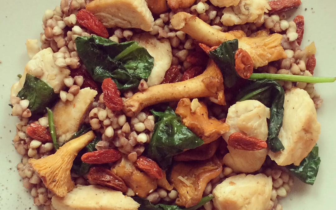 Sarrasin au poulet, champignons & épinards