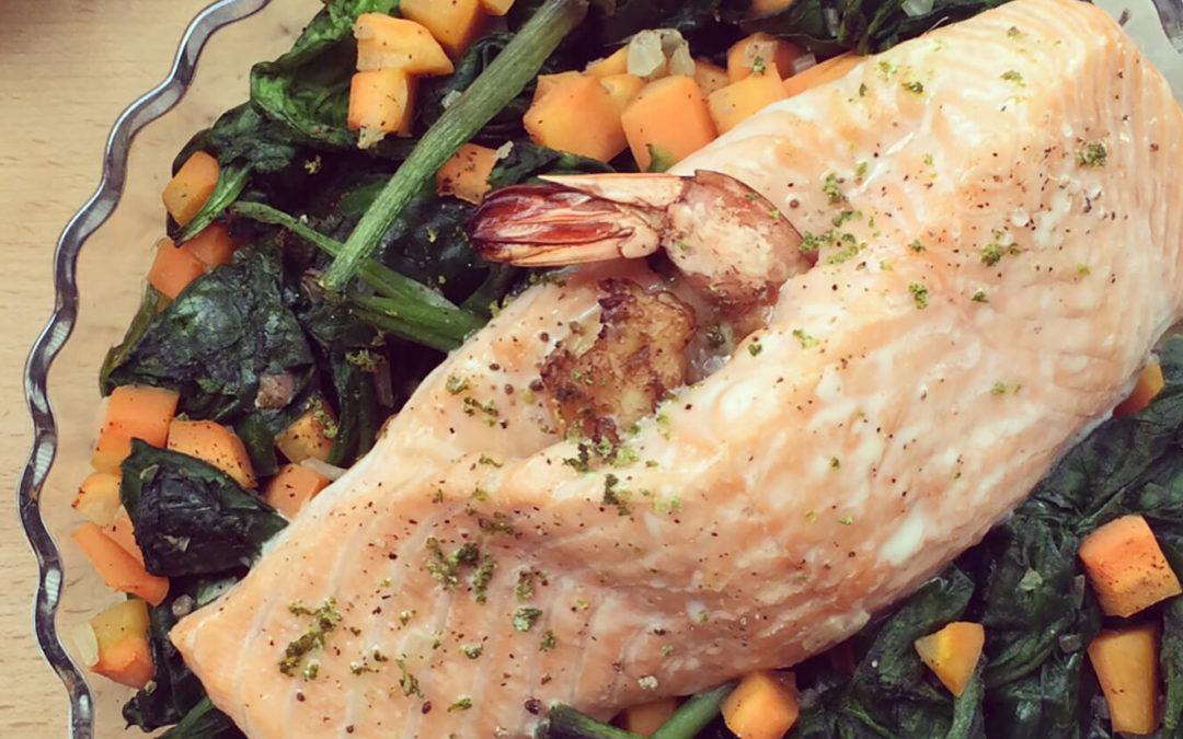 Saumon & crevettes sur épinards aux carottes
