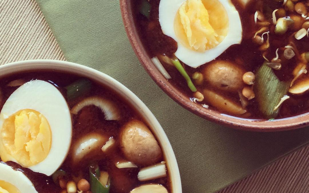 Soupe miso au tofu & champignons