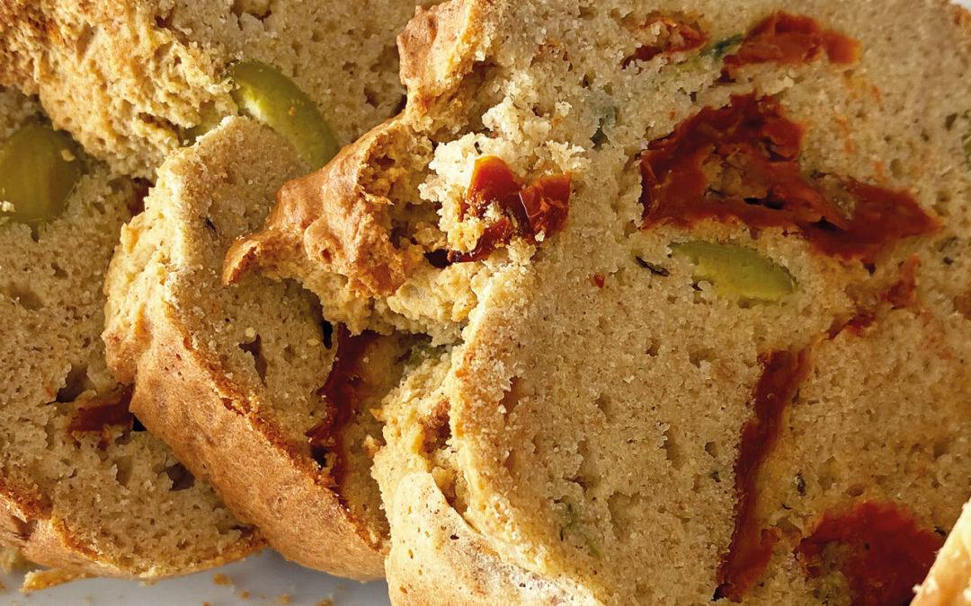 Cake salé olives vertes & tomates séchées